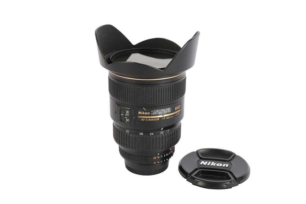 Lot 419 - A Nikon 17-35mm f2.8D AF-S Nikkor ED Lens