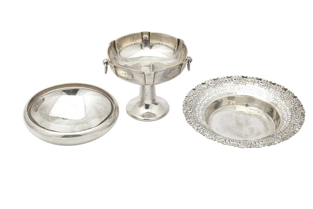 Lot 16-A mixed group of sterling silver