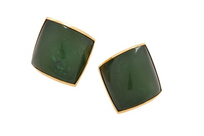 Lot 1243-Vhernier | A pair of 'Plateau' nephrite earclips