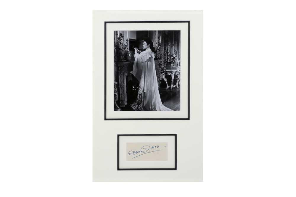 Lot 1425 - Autograph Collection.- Actors & Actresses