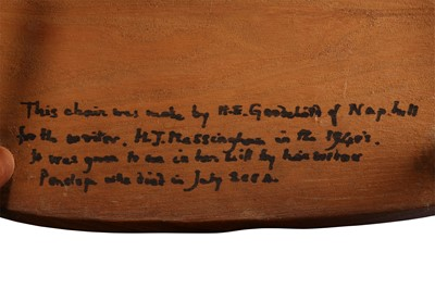 Lot 28 - AN ELM AND YEW WINDSOR CHAIR BY H. ERNEST GOODCHILD