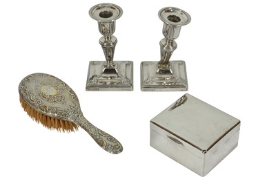 Lot 10 - A COLLECTION OF STERLING SILVER ITEMS