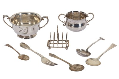 Lot 13 - A MIXED GROUP OF STERLING SILVER