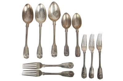 Lot 8 - A VICTORIAN STERLING SILVER ASSEMBLED PART-TABLE SERVICE OF FLATWARE / CANTEEN