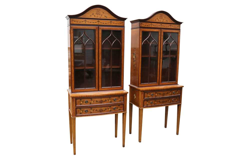 Lot 2 - A PAIR OF SATINWOOD AND MARQUETRY INLAID FLORAL PAINTED DISPLAY CABINETS, 20TH CENTURY