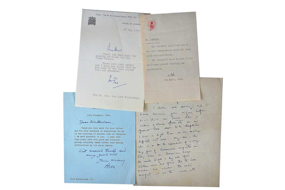 Lot 1436 - Autograph Collection.- Politicians