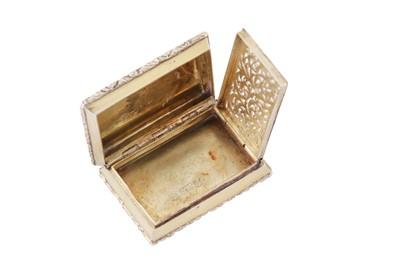 Lot 9 - A George IV sterling silver gilt vinaigrette, Birmingham 1828 by Nathanial Mills