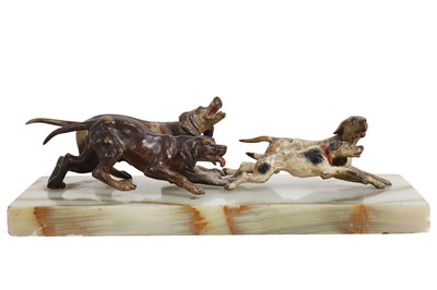 Lot 139 - AN EARLY 20TH CENTURY AUSTRIAN COLD PAINTED BRONZE MODEL OF HOUNDS