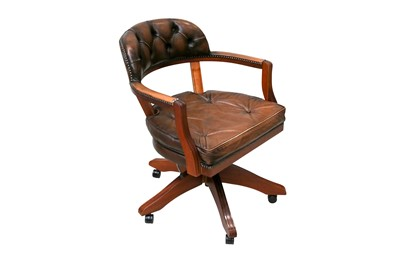 Lot 52 - A CONTEMPORARY LEATHER UPHOLSTERED DESK CHAIR