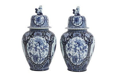 Lot 99 - A PAIR OF LATE 19TH CENTURY DELFT POTTERY URNS BY PETRUS REGOUT, MAASTRICHT