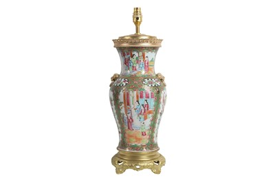 Lot 100 - A 19TH CENTURY CHINESE FAMILLE ROSE PORCELAIN LAMP BASE