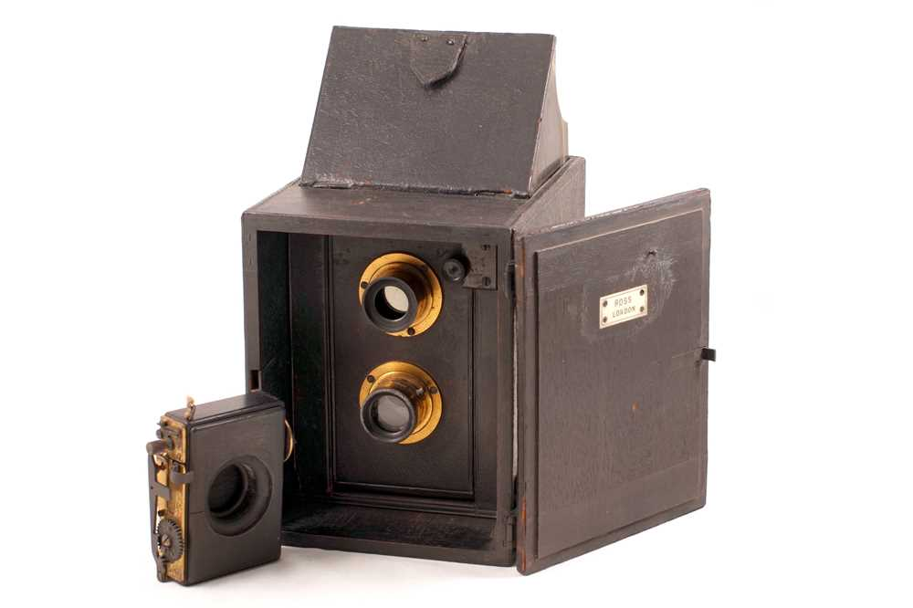 Lot 7 - An Early Ross Portable Divided Camera, circa 1892.