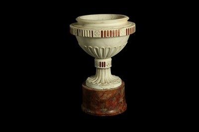 Lot 37 - A LATE 18TH / EARLY 19TH CENTURY ITALIAN NEO-CLASSICAL MARBLE URN