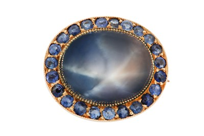 Lot 40 - A sapphire and star sapphire brooch, late 19th / early 20th century
