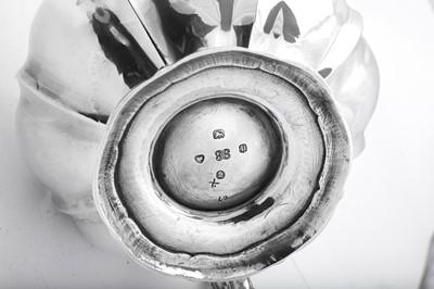Lot 489 - A William IV sterling silver teapot, London 1830 by Edward, Edward junior, John & William Barnard