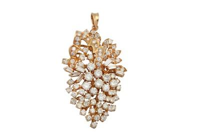 Lot 21 - A diamond pendant