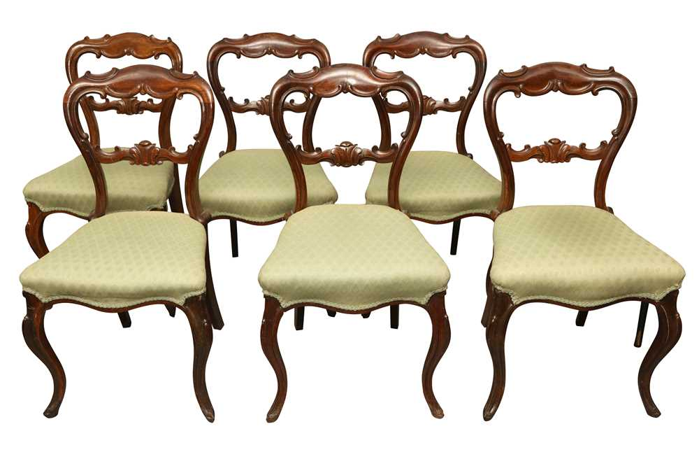 Lot 35 - A SET OF SIX VICTORIAN ROSEWOOD BALLOON BACK DINING CHAIRS