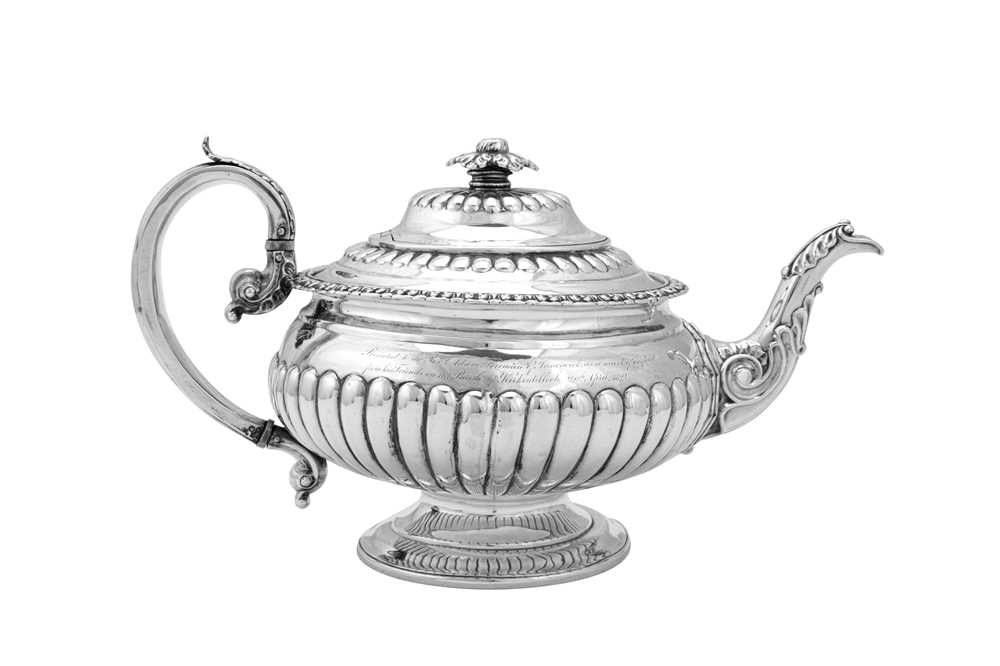 Lot 490 - A George IV Scottish sterling silver teapot, Glasgow 1823 by Mitchell & Sons
