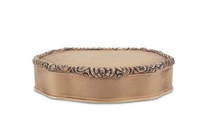 Lot 1 - A George IV sterling silver gilt snuff box, London 1828 by Charles Rawlings (this mark. 28th Oct 1819)