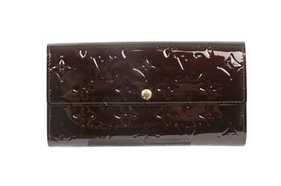Lot 62 - Louis Vuitton Amarante Monogram Vernis Sarah Wallet