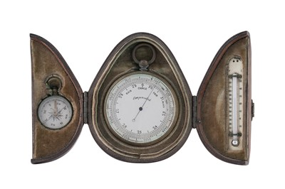 Lot 10 - AN EARLY 20TH CENTURY TRAVELLING SET WITH BAROMETER, COMPASS AND THERMOMETER