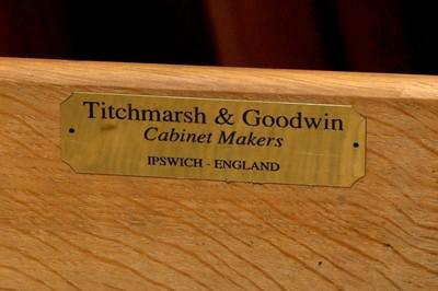 Lot 39 - A TITCHMARSH & GOODWIN OF IPSWICH REGENCY STYLE WALNUT BREAKFRONT BOOKCASE, LATE 20TH CENTURY