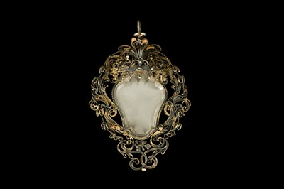 Lot 19 - A 17TH CENTURY VENETIAN GILT METAL AND ROCK CRYSTAL RELIQUARY PENDANT