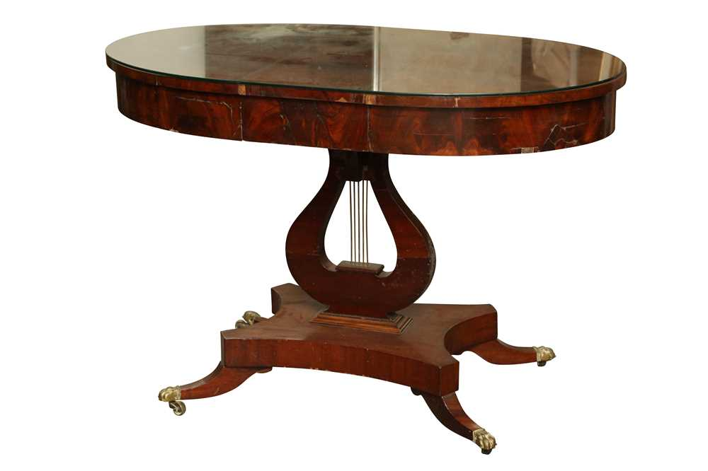 Lot 27 - A REGENCY STYLE OVAL MAHOGANY CENTRE TABLE, 19TH CENTURY AND LATER