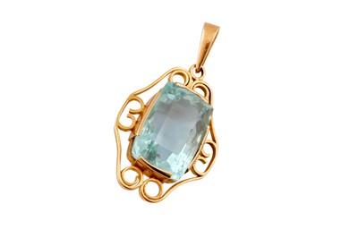 Lot 83 - An aquamarine pendant