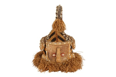 Lot 45 - A KUBA MAKENGA HEADDRESS, CONGO, PROBABLY MID 20TH CENTURY