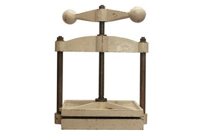 Lot 1543 - Bookbinding equipment