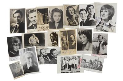 Lot 1024 - Autograph Collection.- Actors & Entertainers