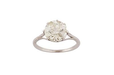 Lot 92 - A diamond single-stone ring
