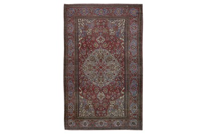 Lot 58 - A FINE ISFAHAN RUG, CENTRAL PERSIA