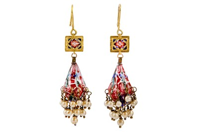 Lot 360 - A PAIR OF QAJAR COMPOSITE POLYCHROME-ENAMELLED GOLD EARRINGS