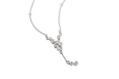 Lot 70 - A diamond pendant necklace