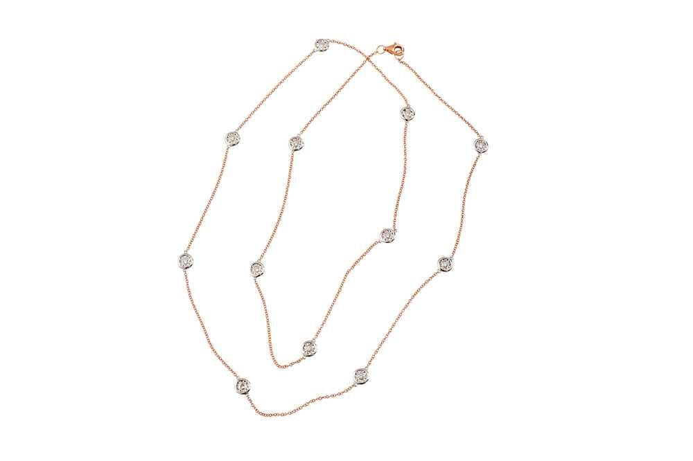 Lot 16 - A bi-coloured diamond-set necklace