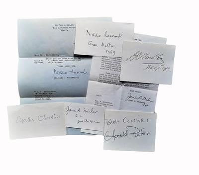 Lot 832 - Autograph Collection.- Authors