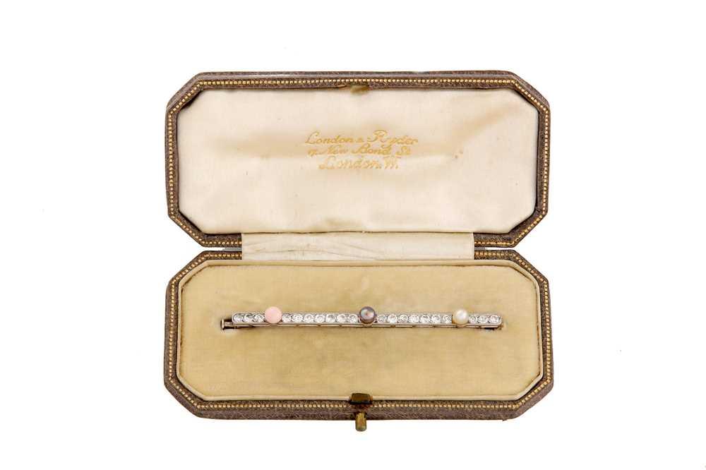 Lot 1 - A pearl, conch pearl and diamond bar brooch, circa 1920