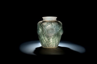 Lot 10 - RENE LALIQUE (FRENCH, 1860-1945)
