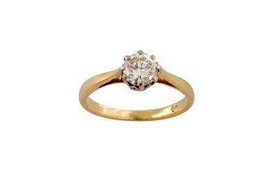 Lot 86 - A diamond single-stone ring