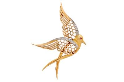 Lot 43 - A diamond-set bird brooch