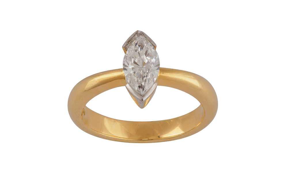 Lot 37 - A  diamond single-stone ring