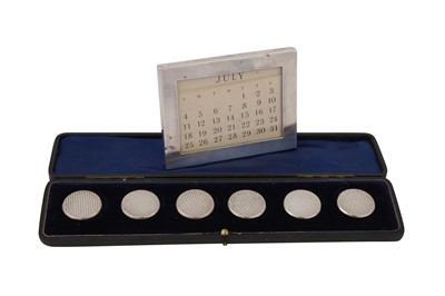 Lot 44 - A CASED EARLY 20TH CENTURY SET OF SIX SILVER BUTTONS, BIRMINGHAM CIRCA 1902 BY REYNOLDS & WESTWOOD