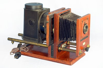 Lot 12 - An Interesting Half Plate Horizontal Enlarger by Ross.