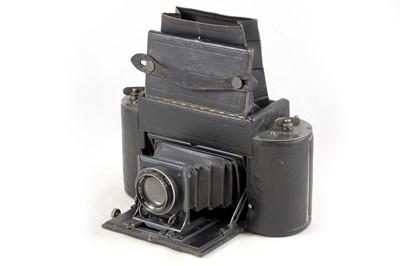 Lot 13 - Graflex 1A Roll Film Camera.
