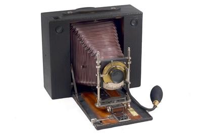 Lot 16 - A No.5 Cartridge Kodak Half Plate Camera.