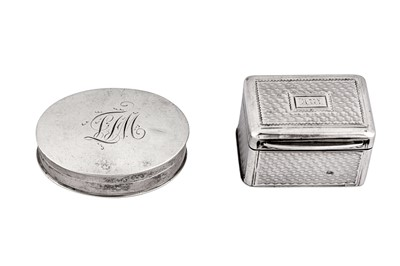 Lot 56 - A George IV sterling silver nutmeg grater, London 1827 by Charles Rawlings