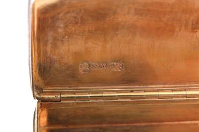 Lot 8 - A William IV sterling silver snuff box, Birmingham 1832 by Nathaniel Mills