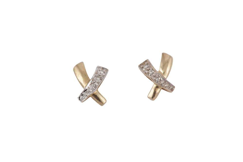 Lot 4 - A PAIR OF DIAMOND EARSTUDS